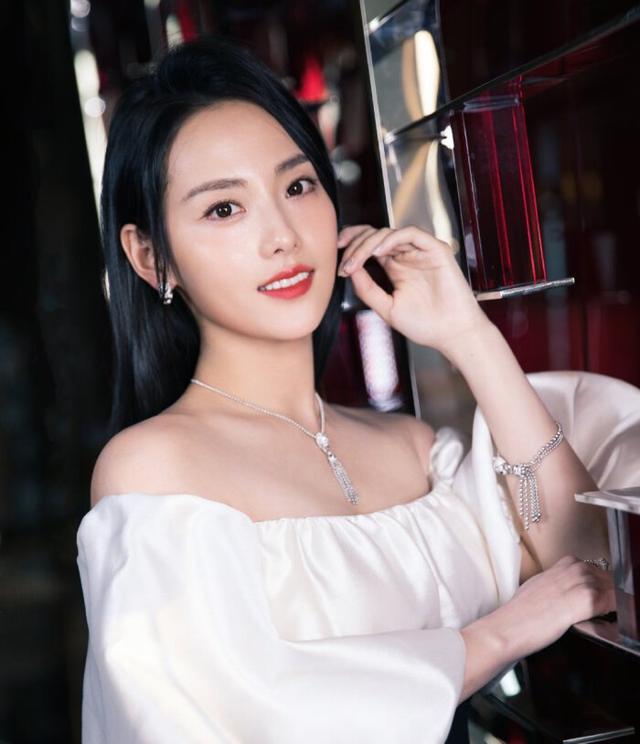 张嘉倪是绿茶专业户,即使出演林有有,也未必有张月出彩