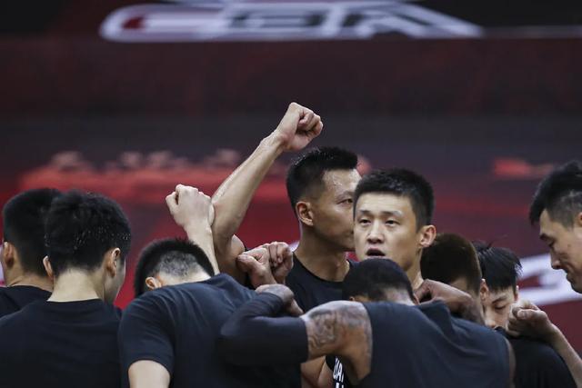 打破CBA纪录!广东队豪取27连胜!马尚布鲁克斯确诊新冠