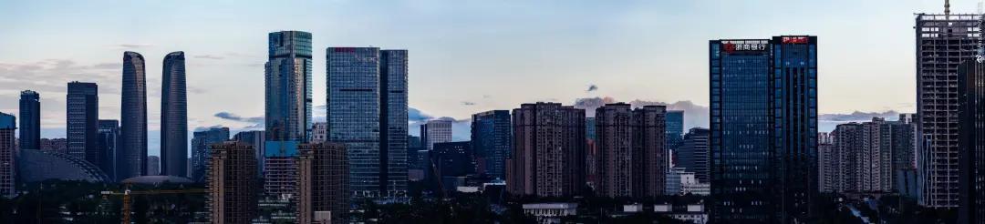 雨过天晴!蓝天+白云+雪山,成都美呆了