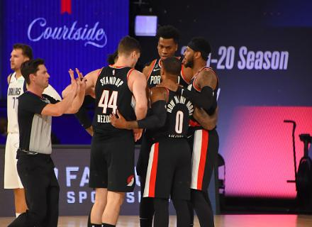 【影片】一戰創多項紀錄!賽後Lillard對著鏡頭嗆聲全聯盟:對老子的名字放尊重點!-籃球圈
