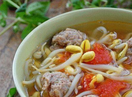 豆芽排骨汤的做法