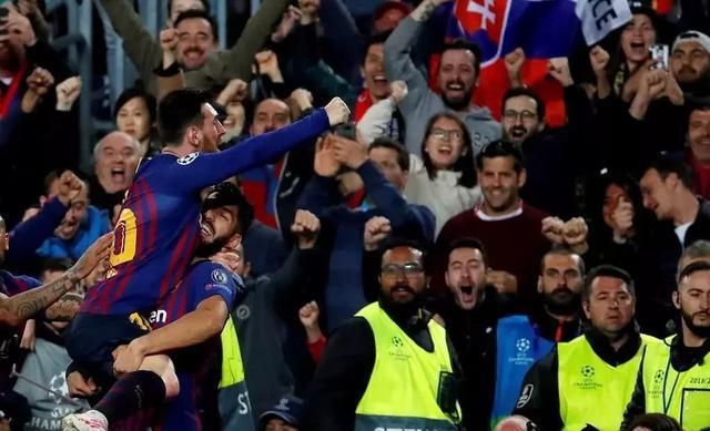 8场10球!梅西成欧冠首位进球上双的球员,巴萨晋级四强,你觉得梅西能获得金球奖吗?