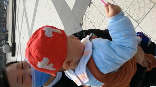 宝宝一岁半了头发长得特别慢是因为什么