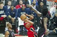 籃球——NBA常規賽:鵜鶘不敵快船