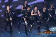 Super Junior十分有名的《U》舞台震撼现场,分享给大家