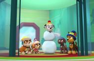 毛毛的一百种出场方式:冰糖葫芦造型的雪人