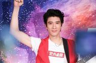 四十岁的王力宏这次要把演唱会拍成电影,网友:这是模仿五月天吗