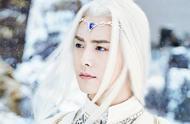 白发如雪,古装剧白发男子,马天宇、张智尧、冯绍峰、谁的白发美不胜收?谁的白发英气俊朗?