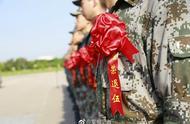 两年驻港情,一生驻港人!驻香港部队某旅举行向军旗告别仪式