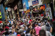 你不知道的巴西儿童节 法定假期陪孩子过节 万人空巷买礼物