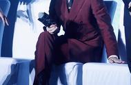 杨洋李易峰胡歌等男星,穿上酒红色西装,谁才是行走的荷尔蒙?
