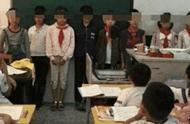 """小学生忘带课本去学校,班主任在""""家长群""""斥责,遭家长霸气回怼"""