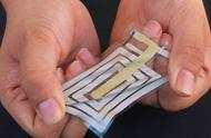 美国斯坦福大学开发出可贴在皮肤上的新型无线传感器