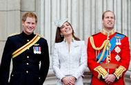 哈里王子首次承认与威廉不和 昔日兄弟情深画面令人感慨