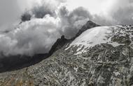 """委内瑞拉奇迹冰川正在消失 一群科学家默默记录它的""""死亡""""征程"""