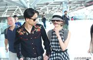 林志玲与老公新婚后离开台南,在高铁站面对备孕问题笑而不语