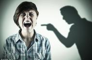 疯狂英语李阳为家暴正式道歉!我们到底,该如何根除家暴?