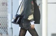 杨幂卫衣配黑丝,你才知道扎染卫衣这么好看?