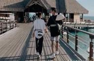 何超莲与窦骁恋情公布5个月首晒接吻照 海岛度假甜蜜牵手秀恩爱