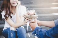 为什么有些男人,好多年都没谈过一场恋爱?主要原因,逃不过四个