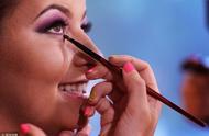 你的腮红有画对吗?快来学习几款不同脸型腮红的不同画法!