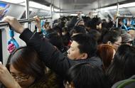 盘点地铁上最让人讨厌的十种行为,看看你有没有犯?(图)