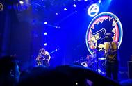 刺猬乐队现场演唱《火车驶向云外,梦安魂于九霄》这才是摇滚乐