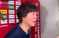 郎平哭了!中国女排十一战全胜夺冠,赛后采访郎指导几度哽咽