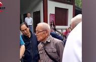 91岁大爷全程用英语介绍西安,外国友人连连点赞