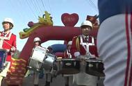 河南一土豪的婚礼,好比阅兵仪式,非常隆重!