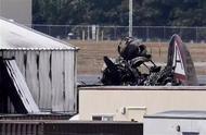 突发!美国一架B-17轰炸机坠毁7人死亡