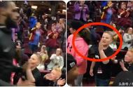 细节:和詹姆斯击掌有多兴奋?看这小球迷表情就知道了!