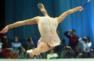 艺术体操表演时的尴尬瞬间,竟能淡定的演完,都是女汉子