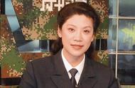 她是国防大学最美教授,素颜上课学生却挤破头,53岁依旧似少女