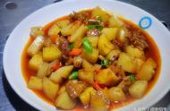 """""""最爱吃土豆""""的大学:购入31吨土豆,做出18种菜品,食堂增设""""土豆档口"""""""