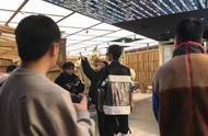 肖战最新北京商场生图,额头全露也很好看鸭