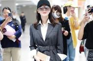 32岁刘诗诗产后不再低调?几万Prada风衣穿身上化身霸道女总裁
