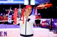 图集:巴蒂首夺深圳总决赛冠军 昔日板球少女如今女网世界第一