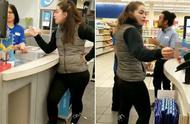 种族主义!加拿大华裔店员讲中文遭顾客辱骂:粗鲁!滚去别的地方