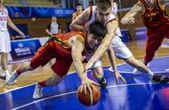 伤了也要打 他们尽力了!中国U19男篮13分不敌俄罗斯 无缘八强