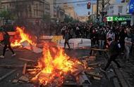 宣布紧急状态后暴力示威未见减弱,智利再进一步:实行宵禁