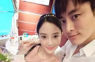 昨晚十点钟,李小璐和贾乃亮正式发出联合声明,声明两人已离婚