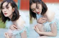 刘诗诗以一身白色羽毛裙出镜,瞬间美如18岁,状态极佳