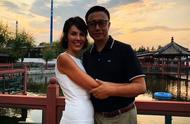 疯狂英语李阳获妻子原谅:他是个有缺陷的人,网友:再被打别发声