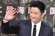海南岛国际电影节,徐峥邓超带保温杯颁奖,心酸:实力派正在老去