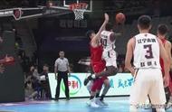 辽宁男篮获赛季首胜,史蒂芬森与巴斯争吵