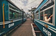 """在印度坐小火车,感受魔幻""""穿越大吉岭"""""""