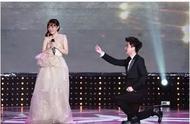 李小璐贾乃亮宣布离婚!离婚声明中透露两个重要信息