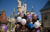 香港迪士尼取消跨年派对,网友评论都是自己作的?