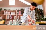 《中餐厅3》录制收官,杨紫和外国友人合影,苏有朋成为压轴嘉宾